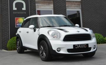 Mini one Countryman 1.6D - 01/2014 met  slechts 35.928Km's / GPS / BTW Aftrekbaar!  *Like New*